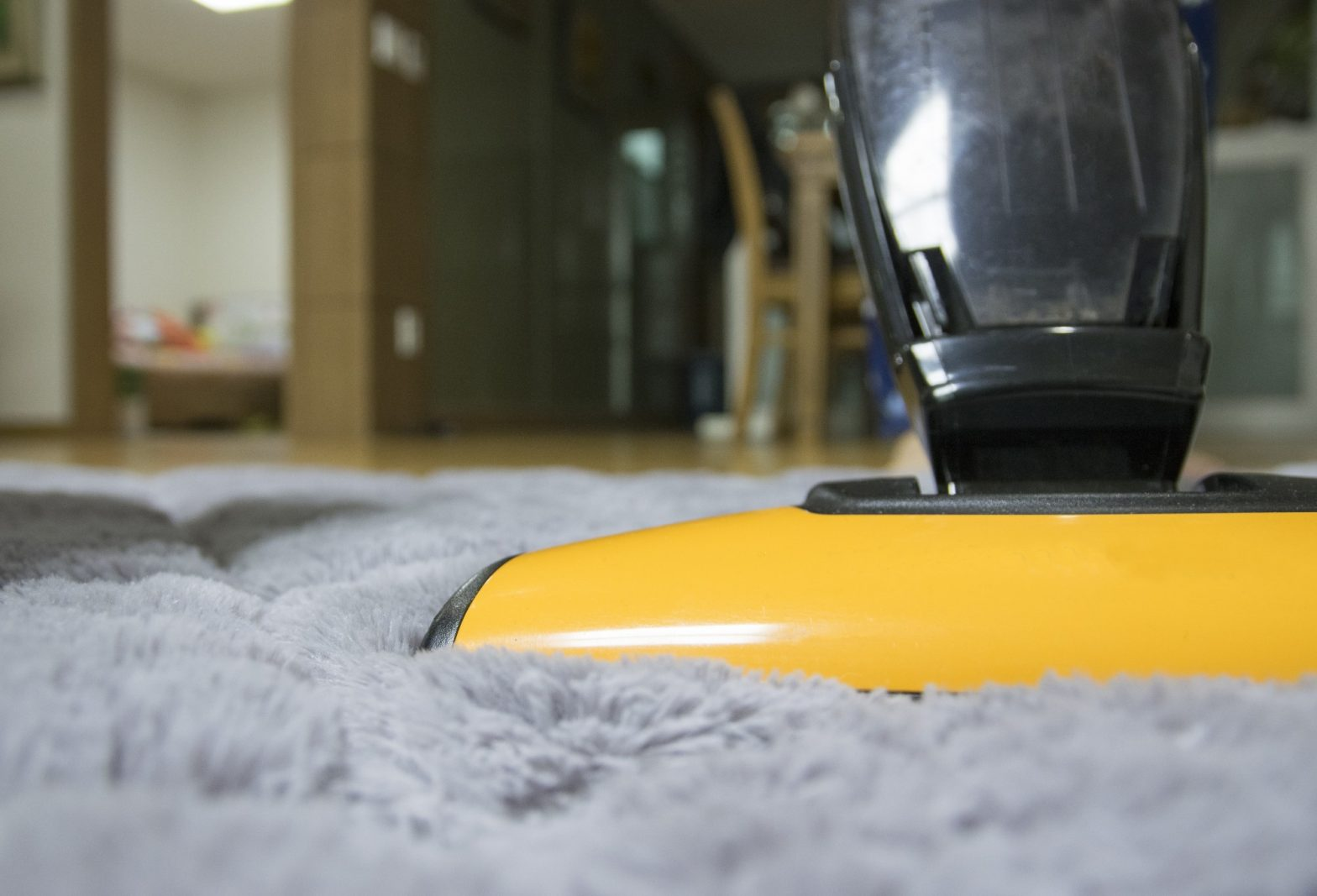 5 Big Benefits of Hiring Professional House Cleaning Services
