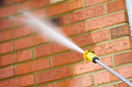 7 Benefits of Power Washing Your Home